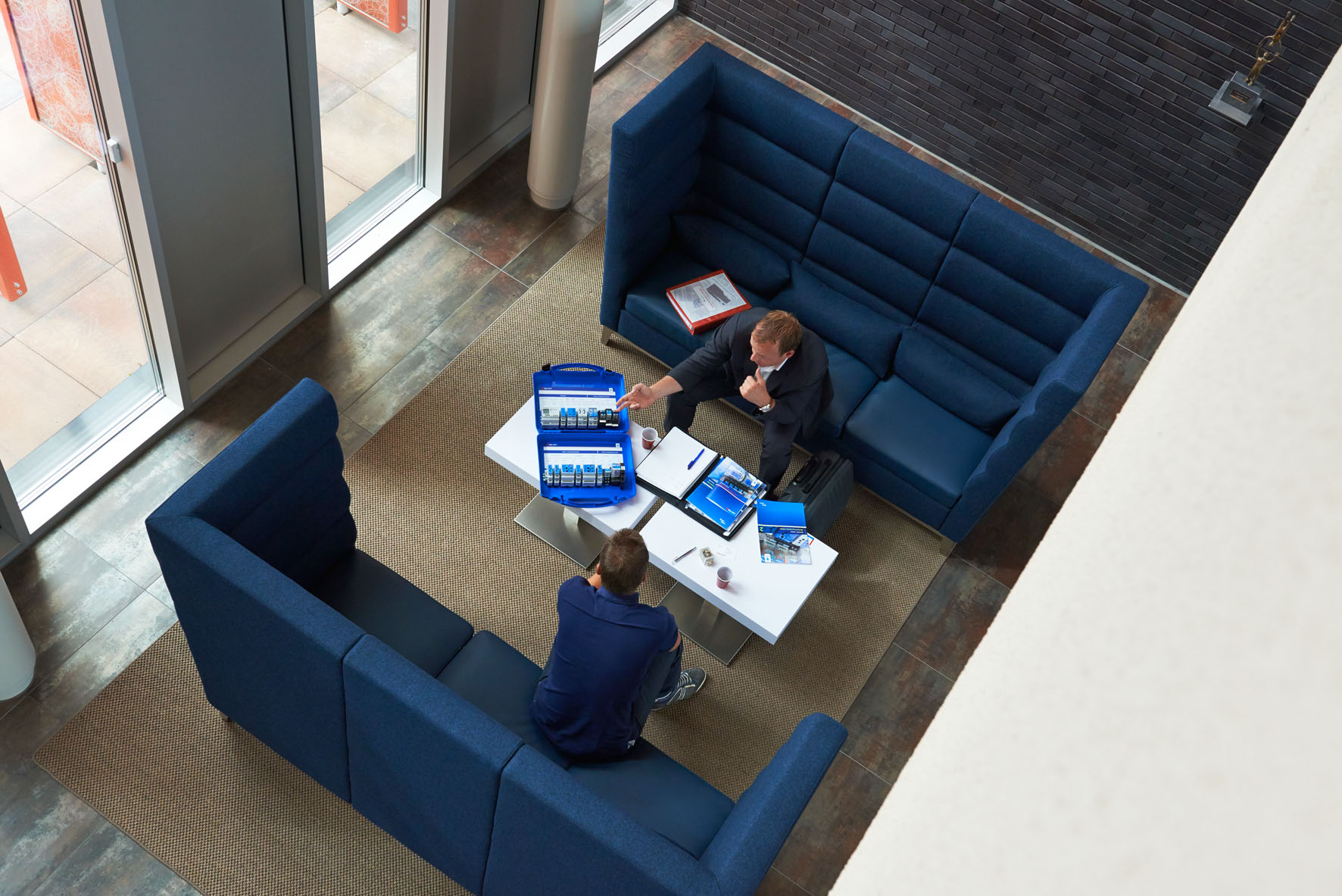Modulaire lounge zitbank cave - Modulaire kamer ...