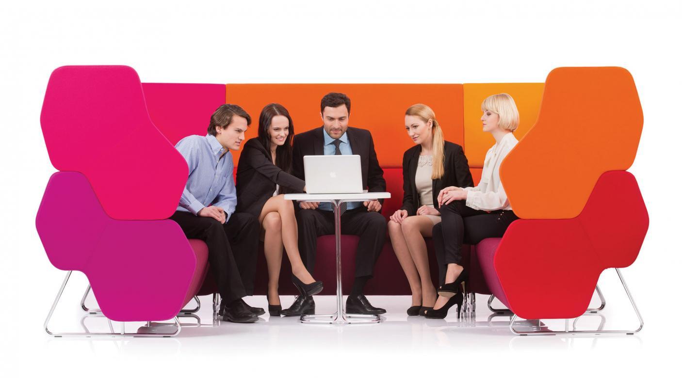 Modulaire bank Hexa telefoonstoel, phone chair, ongestoord bellen, stilteplek, rustplek en onafgeleid telefoneren